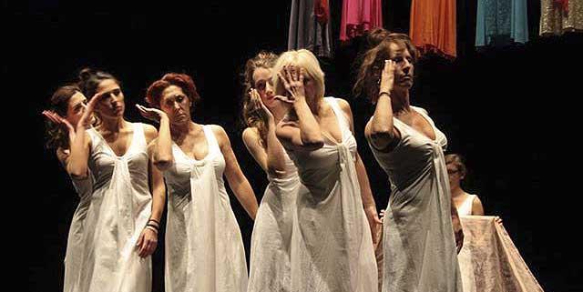 Evento (foto) Viole per Enza a Genova – 28.11.13 – regia e coreografia Luisa Zanoli-13