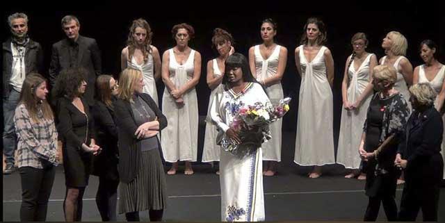 Evento (foto) Viole per Enza a Genova – 28.11.13 – regia e coreografia Luisa Zanoli-17