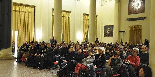 Milano 25 novembre 2013 – Palazzo Reale – Viole per Enza-02