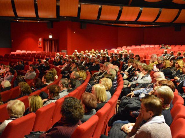 16 Il pubblico in sala – Viole per Enza a Limbiate 10.3.17